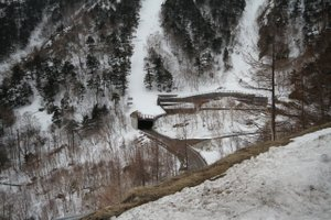 110422_snowshed
