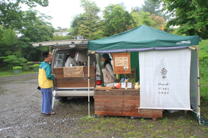 110618_shandi_nivas_cafe