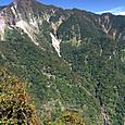 28 雲竜瀑遠望